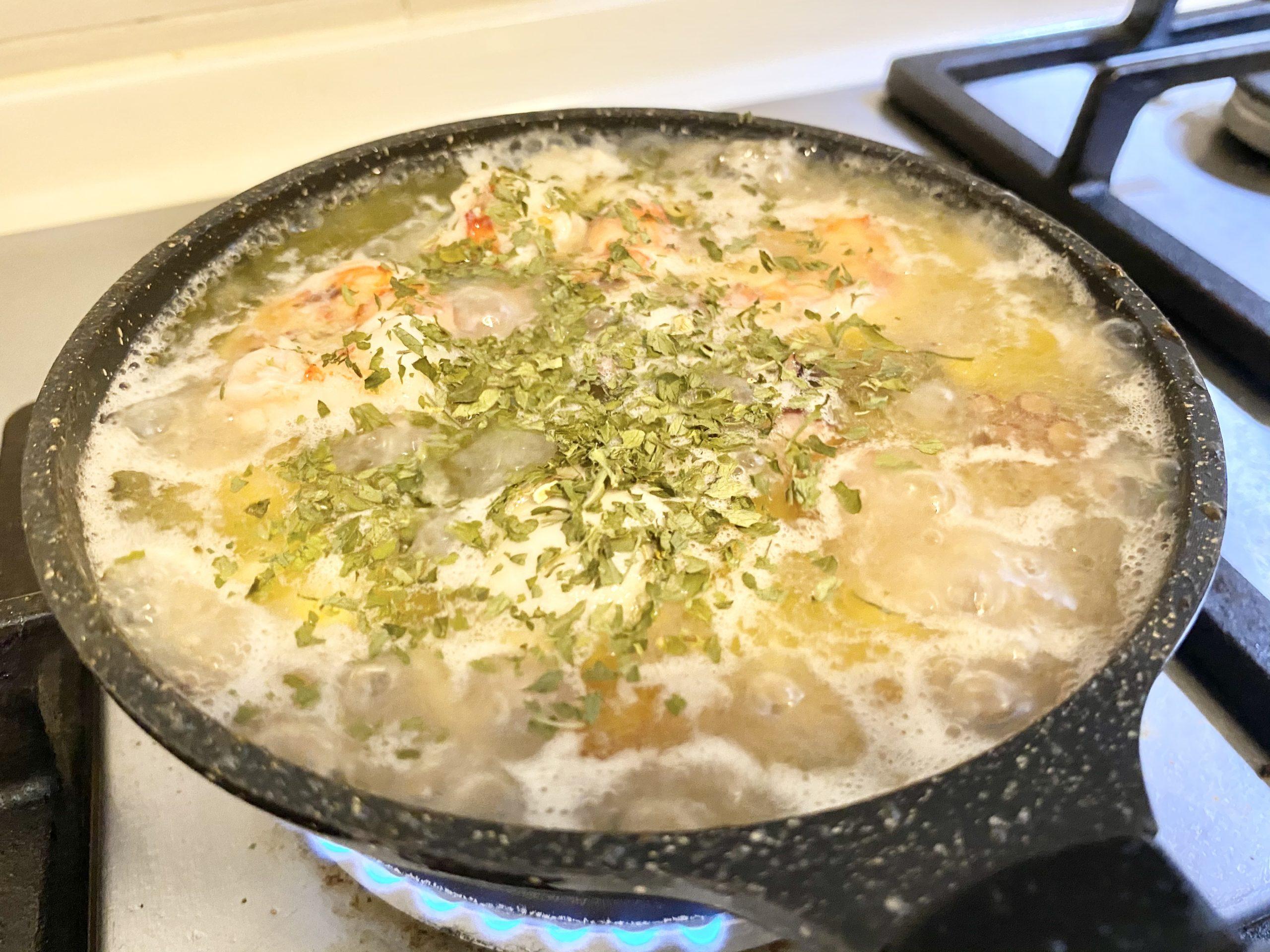 お酒がススム!「牡蠣・海老・タコ・○○のアヒージョ」のレシピ