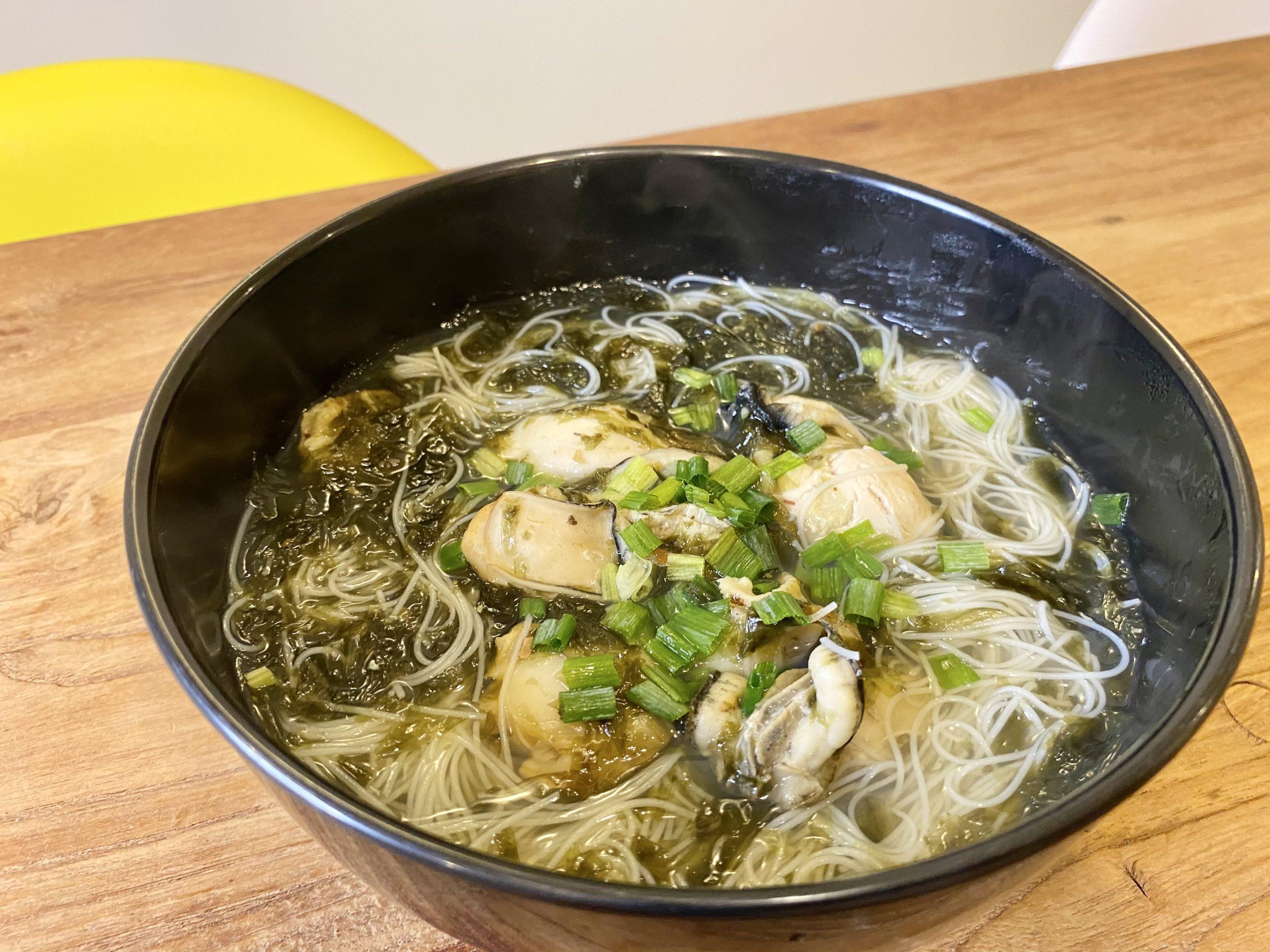 出汁が主役!「牡蠣とホタテの出汁たっぷりスープ春雨」のレシピ