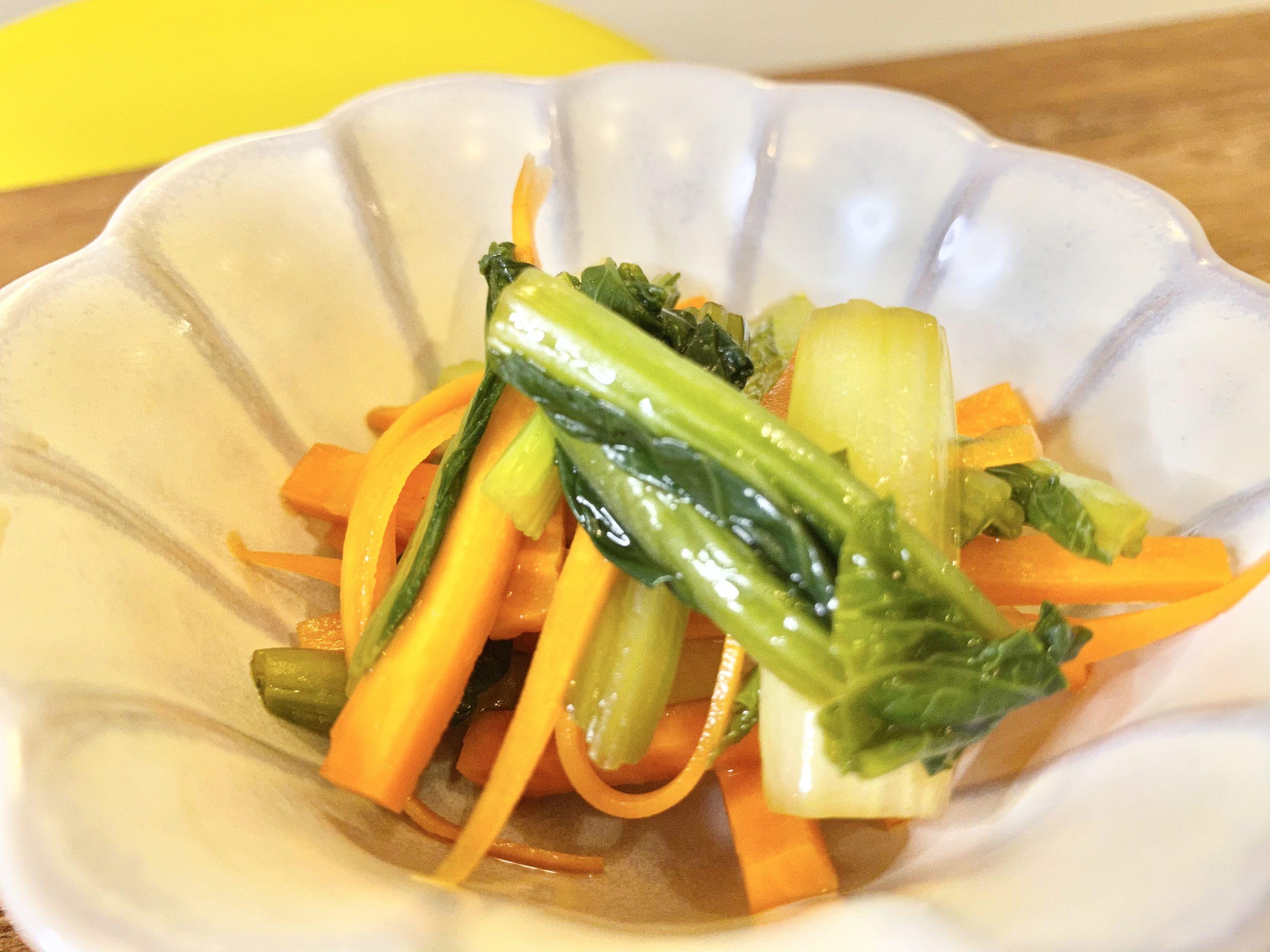 シャッキシャキ食感!「小松菜とにんじんの簡単酢の物」のレシピ